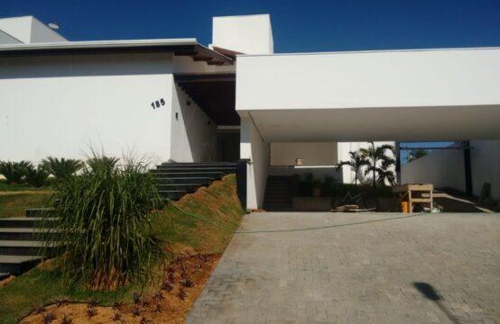 Casa – Alto Padrão Cond. Fechado